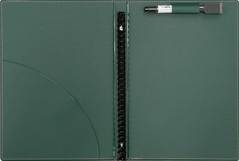 バインダーの内部の写真。上部のペンホルダーにマーカーが添付されている。また、左側には小さなポケットが付属